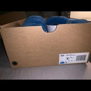 UGG Shoes - Ugg Fluff Yeah Sandals LIKE NEW SIZE 8
